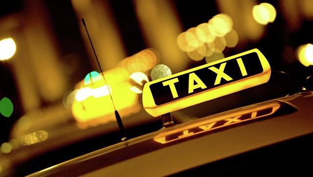 Таксинд явж байсан жолоочийг дээрэмджээ