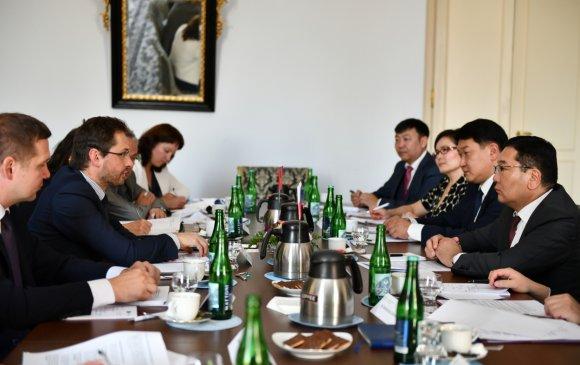 Монгол улс, БНЧУ-ын гадаад харилцааны яам хоорондын консулын зөвлөлдөх уулзалт боллоо