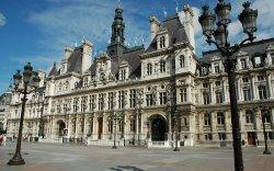 Парис хотын захиргааны байшинг орон гэргүйчүүдэд нээлттэй болгоно