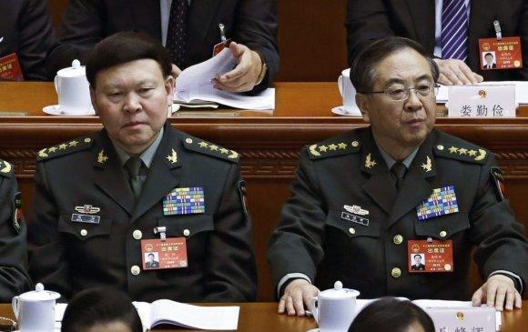 """Си Жиньпин армийн хоёр генералыг """"авлалаа"""""""