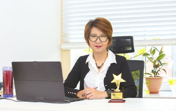"""The international woman entrepreneurial challenge"" шагналыг Д.Тунгалаг хүртлээ"