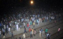 Галт тэрэгний осол болж 61 хүн нас баржээ