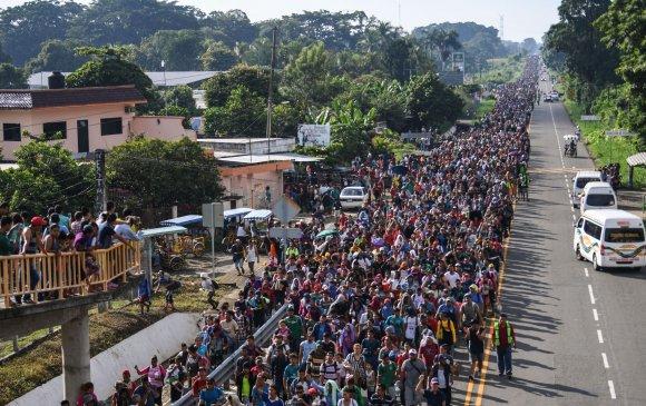 АНУ Мексикийн хил рүү 800 цэргээ илгээнэ