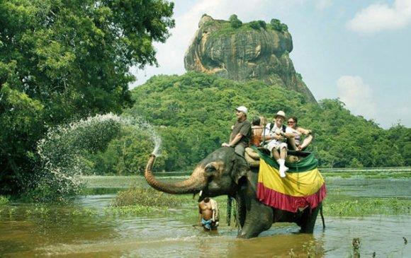 Аялахад хамгийн таатай улсаар Шри Ланкыг нэрлэлээ