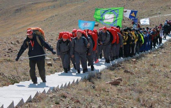 Спорт явган аяллын төрөлд нийслэлийн газрын албаны баг тамирчид тэргүүллээ