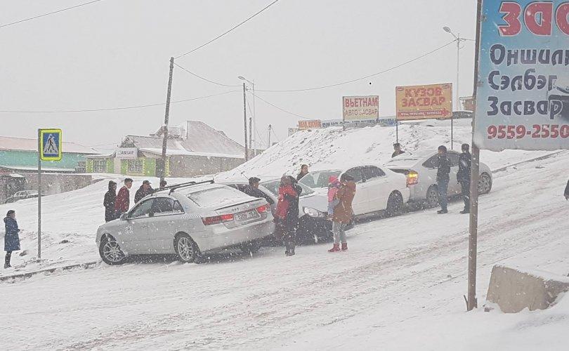 Ганц шөнө орсон цас жолоочдын өвлийн бэлтгэлийг шалгалаа