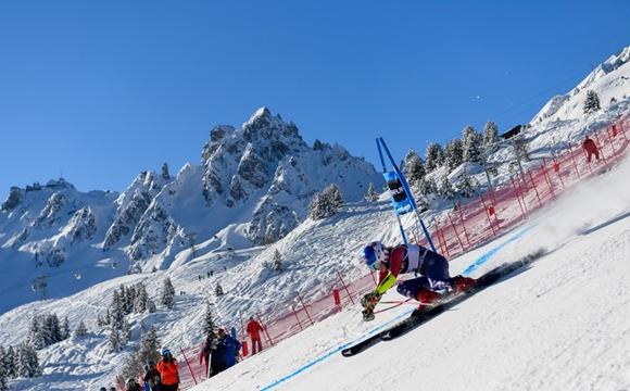 Уулын цанын дэлхийн цомын гараагаар өвлийн спортын улирал эхэллээ