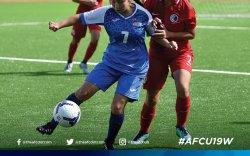 Хөлбөмбөгийн охид нэг хожилтойгоор тэмцээнээ өндөрлүүлэв