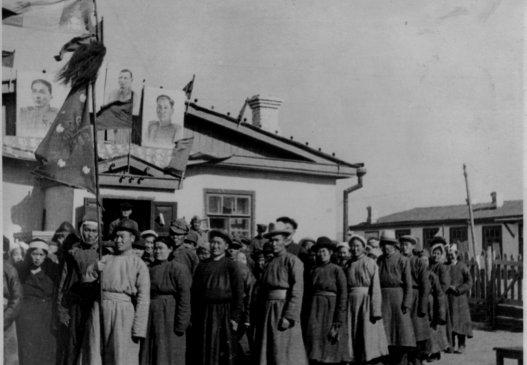 БНМАУ-ын тусгаар тогтнолын тухай бүх ард түмний санал хураалт явагдав/1945.10.20/