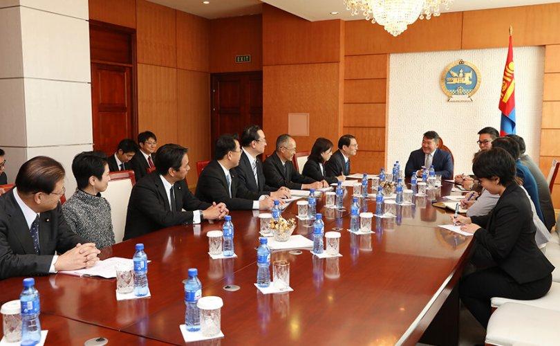 Ерөнхийлөгч Япон улсын парламентын зөвлөхүүдийн танхимын гишүүдийг хүлээн авч уулзав