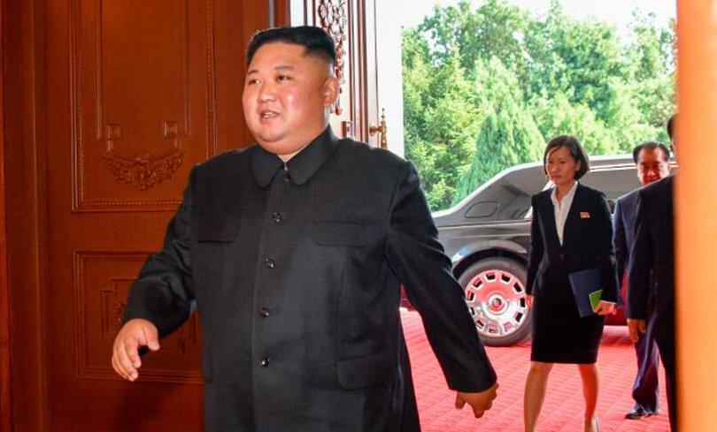 Хойд Солонгосын удирдагчийн тансаг машин