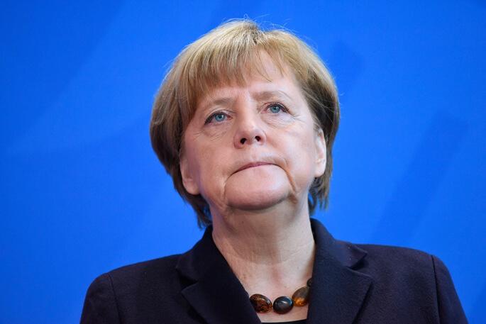 Баварийн сонгууль Меркелийн эрин үеийн төгсгөлийг зөгнөлөө