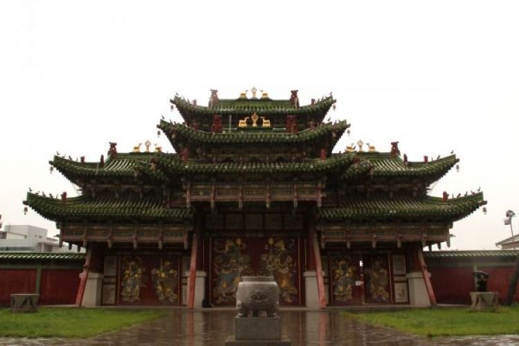 Богд хааны музейг яруу найрагч Ц.Эрдэнэбаатар удирдана
