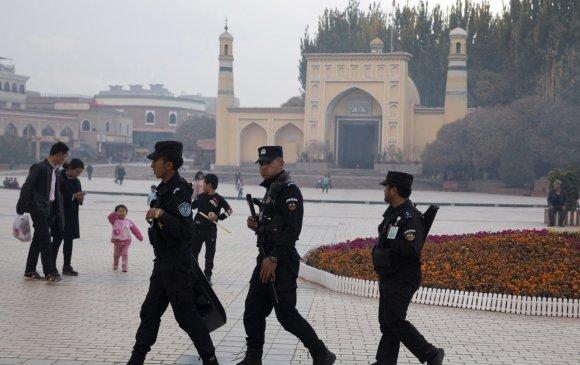 Уйгуруудыг Хятадын соёлд уусгах бодлогыг үргэлжлүүлнэ