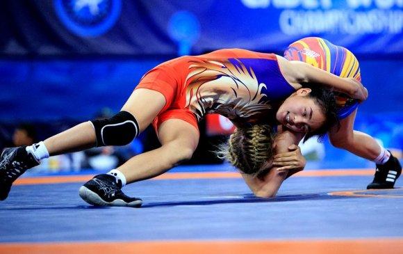 Залуучуудын олимпийн наадмаас гурван медаль хүртлээ