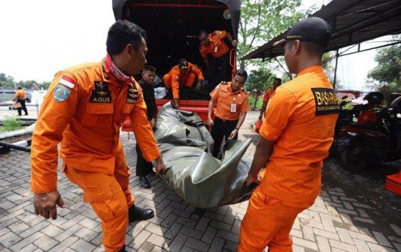 Индонезийн онгоцны ослоос нэг ч хүн амьд үлдээгүй гэв