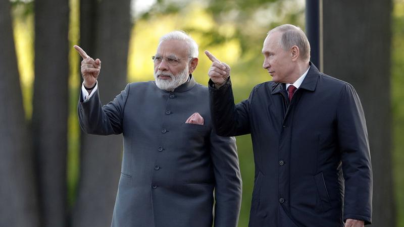 В.Путин Энэтхэг улсад айлчилж байна