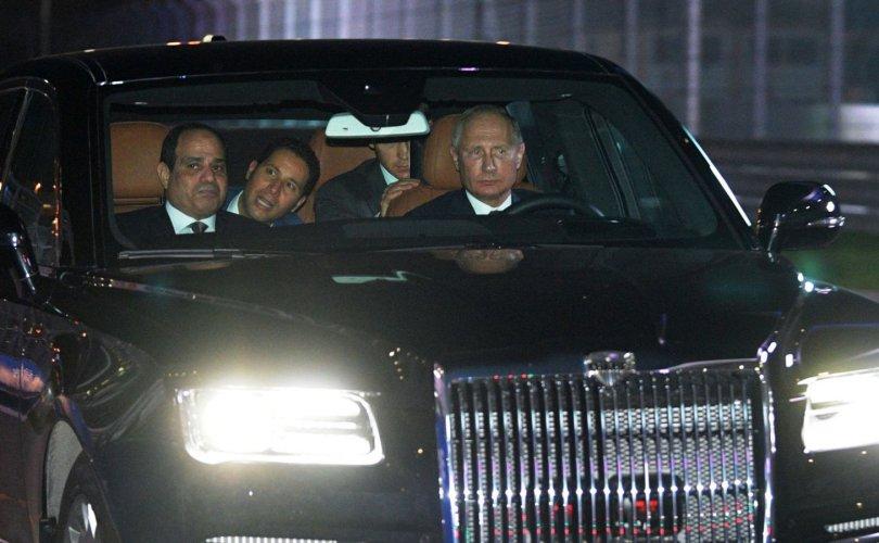 Путин машинаа гайхуулжээ