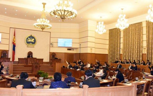 Монгол Улсын Ерөнхий аудитор Д.Хүрэлбаатарыг албан тушаалаас түдгэлзүүлэв