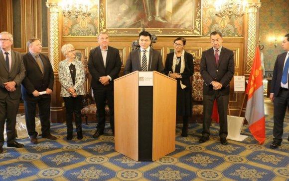 НИТХ-ын дарга С.Амарсайхан тэргүүтэй төлөөлөгчид Парис хотод айлчлав