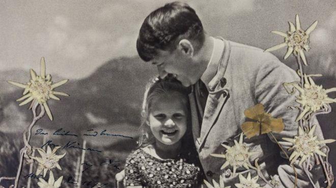 А.Гитлер болон түүний бяцхан еврей найз