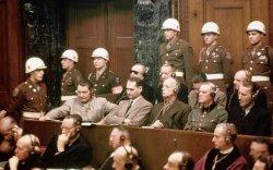 94 настай нацистыг шүүж эхэллээ