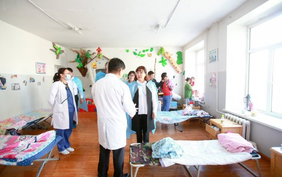 Д.Сарангэрэл сайд дүүргийн эмнэлгүүдийн үйл ажиллагаатай танилцлаа