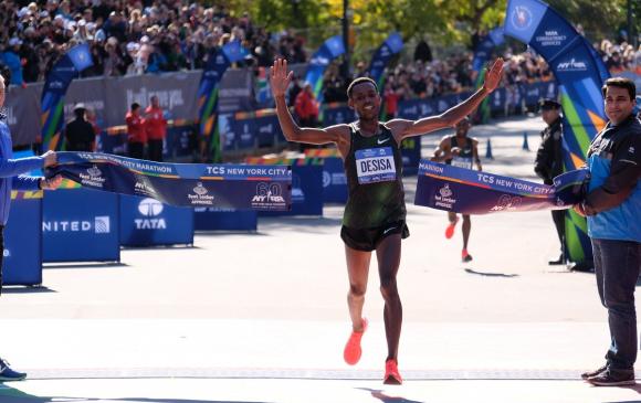 М.Кейтани 4 дэх, Л.Десиса анх удаагаа Нью-Йоркын марафонд түрүүллээ