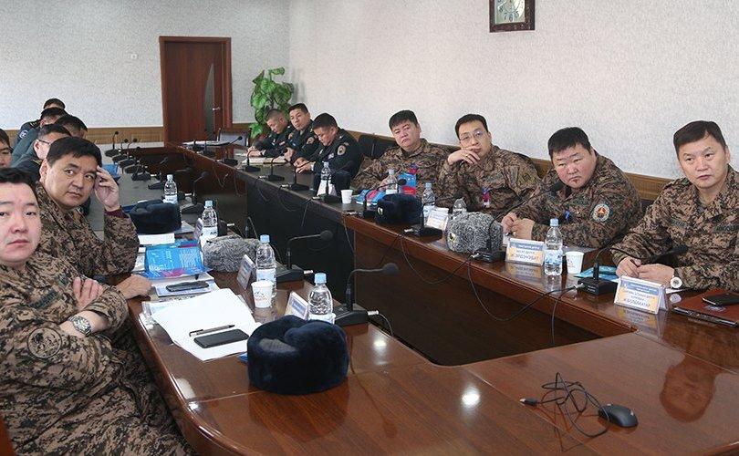 Дүүргийн Засаг дарга нарын цэргийн бэлтгэл сургалт явагдаж байна