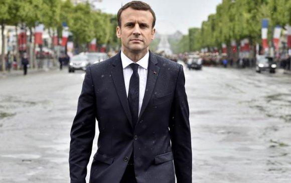 Францын ерөнхийлөгчид халдахыг завджээ