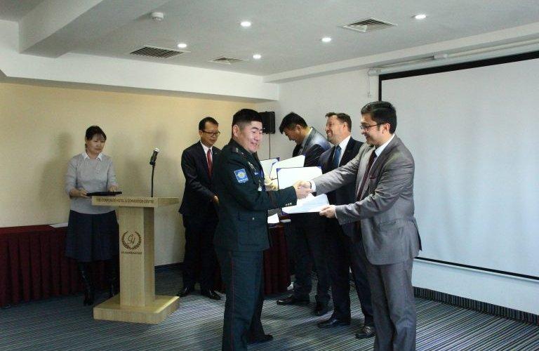 Нисэхийн аюулгүй байдлын зөвлөлийн төлөөлөгчид сертификатаа авлаа