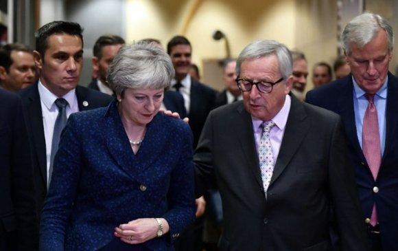 Европын холбоо Британитай түүхэн гэрээг үзэглэнэ