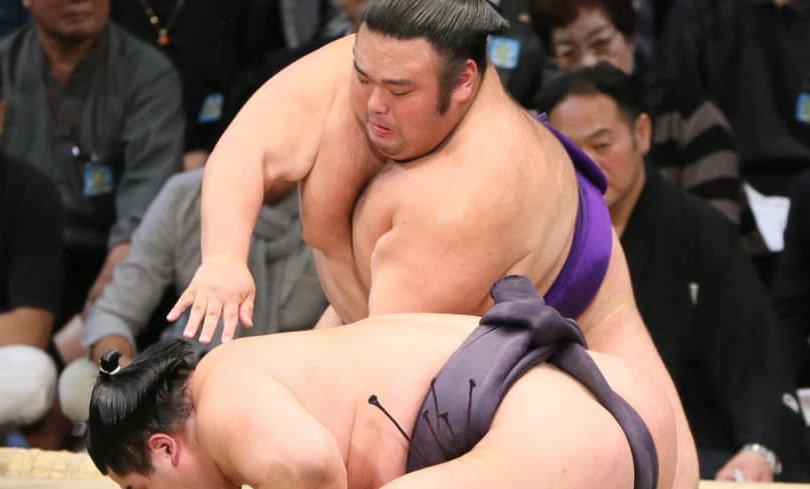 Такакэйшёо башёг тэргүүлж эхлэв