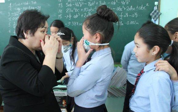 Монголын эмэгтэйчүүдийн холбоо 10,000 маск аяныг өрнүүлж байна