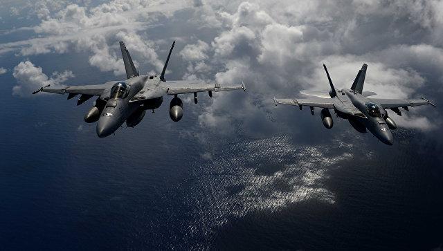 Америкийн цэргийн хоёр онгоц мөргөлджээ