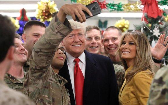 Д.Трамп Иракт гэнэтийн айлчлал хийв