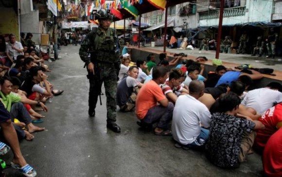 """Филиппиний """"хар тамхины эсрэг дайн""""-д 5000 хүнийг """"цаазалжээ"""""""