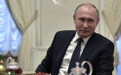 Путин: Реп хөгжимд зохицуулалт хэрэгтэй