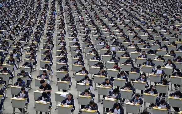 Хятадын төрийн албан хаагчийн шалгалтад нэг сая орчим хүн өрсөлджээ