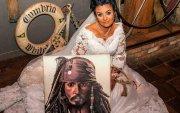 Далайн дээрэмчний 300 настай сүнстэй гэрлэсэн эмэгтэй салахаар шийджээ