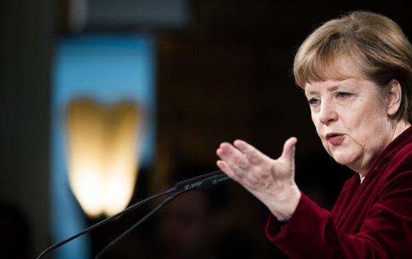 Ангела Меркель дахин дэлхийн хамгийн нөлөө бүхий эмэгтэйгээр тодорчээ