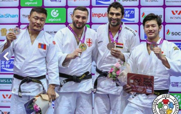 """Л.Отгонбаатар """"Мастерс""""-аас мөнгөн медаль хүртэв"""