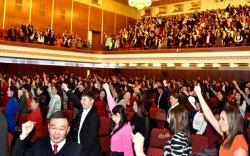 """Монголын залуу багш нар Төрийн ордонд чуулж """"Оюуны элч""""-ээ тодрууллаа"""