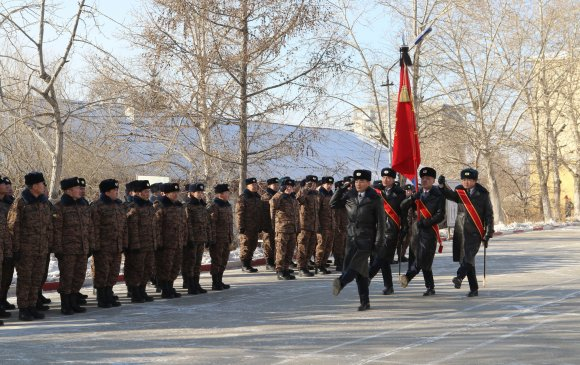 Дотоодын цэргийн 805 дугаар ангиас цэргийн байнгын тэтгэвэрт гарч буй алба хаагчдадаа хүндэтгэл үзүүллээ