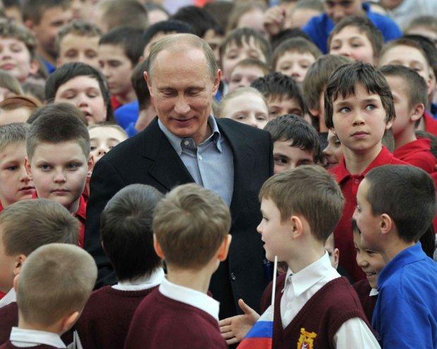 Владимир Путинаас тусламж хүсэж байсан хүү нас баржээ