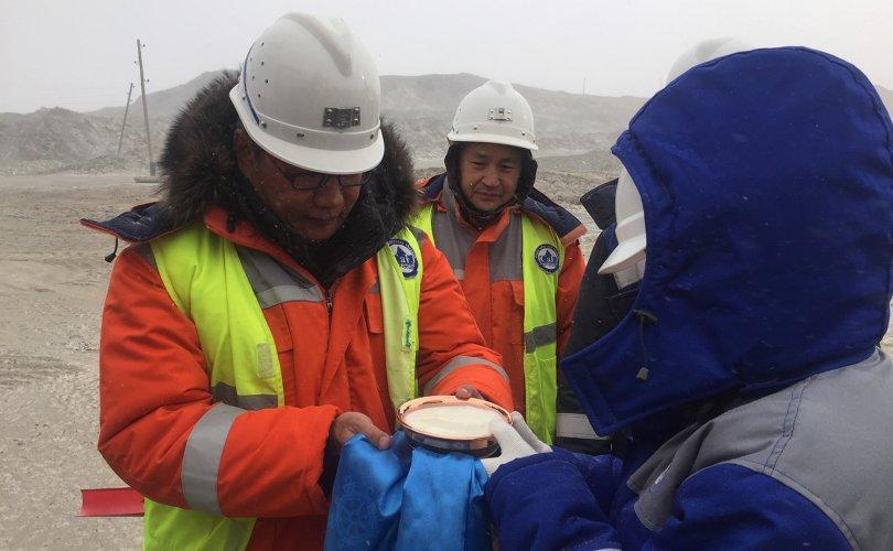 Монголросцветмет тоног төхөөрөмжээ шинэчиллээ