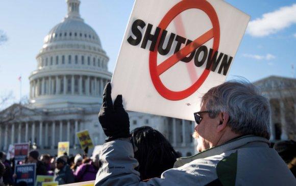 АНУ-ын Засгийн газрын түр зогсолт 11 тэрбум ам.долларын өртөгтэй байв