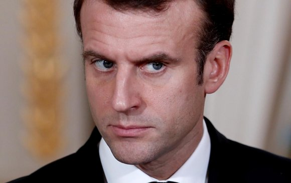 Францчууд Макронд сэтгэл дундуур байна