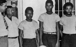 Хар арьстнууд 70 жилийн дараа цагаатгагджээ