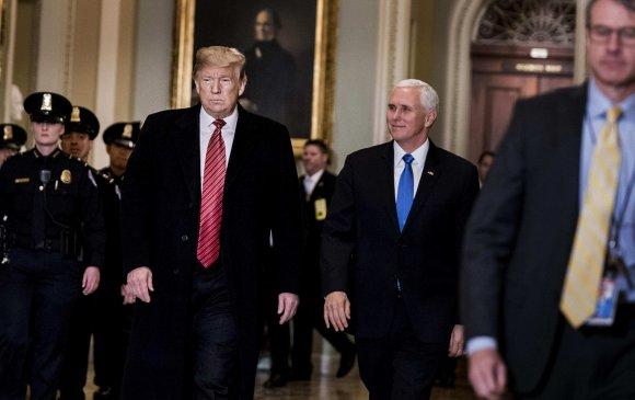 Д.Трамп уулзалтаа дундаас нь орхиж гарав